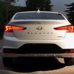 So sánh thiết kế Hyundai Elantra và Kia Cerato
