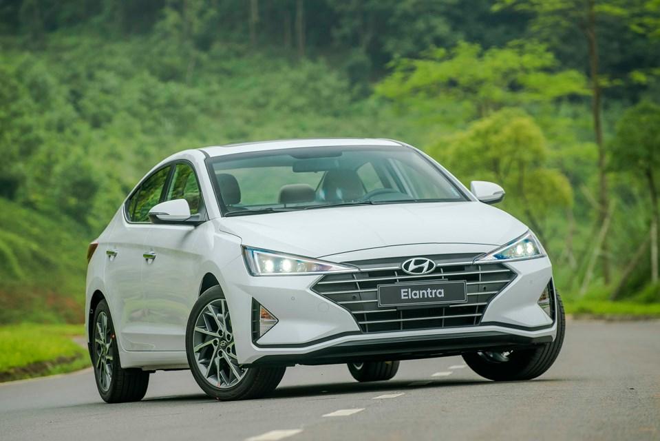 Mua xe Hyundai Elantra trả góp tại Hyundai Bình Phước