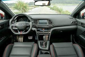 Đánh giá nhanh nội thất của Hyundai Elantra 2020
