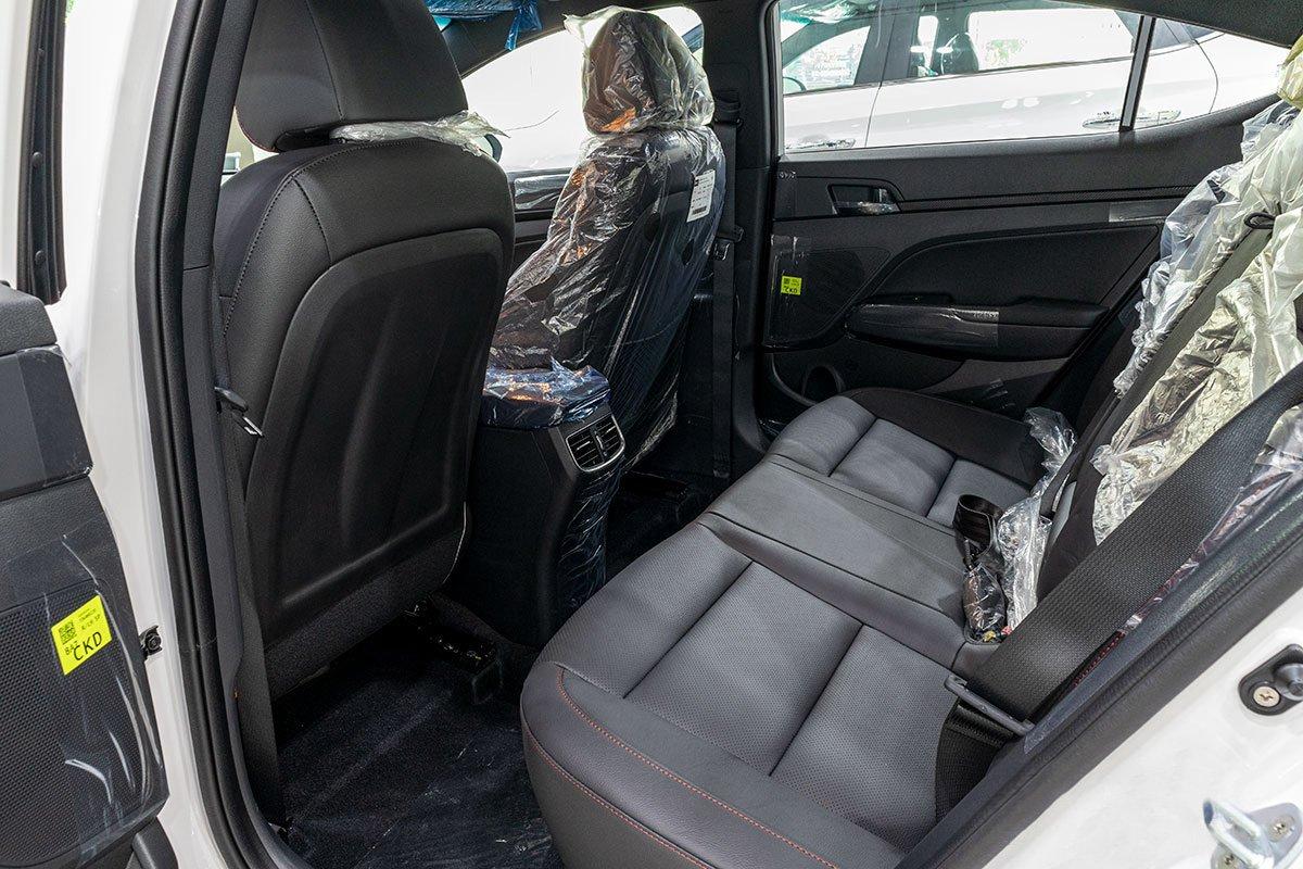 Đánh giá nhanh nội thất của Hyundai Elantra 2020 (Phần 2)