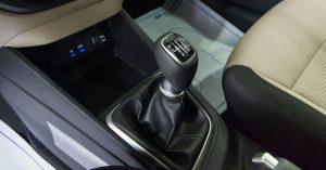 Hướng dẫn cơ bản cách lái xe ô tô số sàn đơn giản nhất