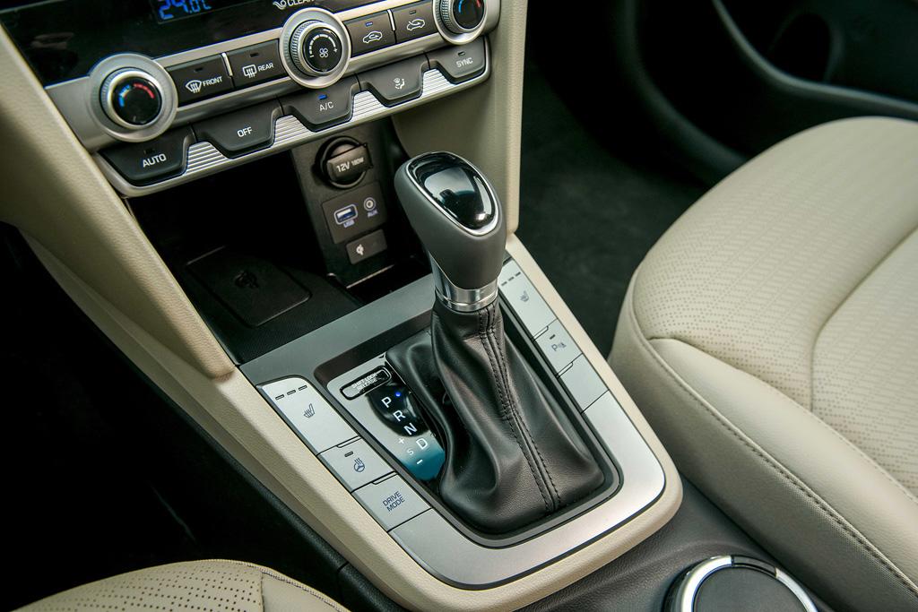 Tiện nghi đỉnh cao của Hyundai Elantra 2020